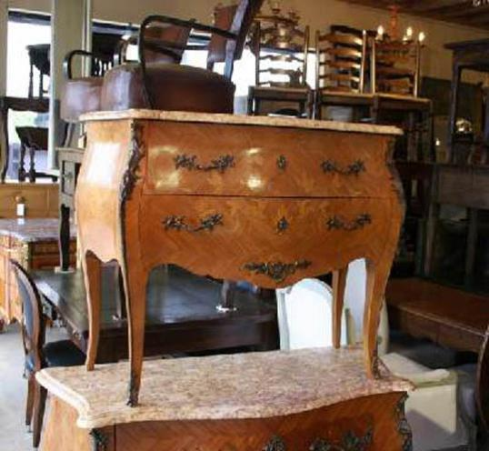 69-52 - Small, French Commode (Bombe)