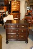 70-28 - A small jacobean Chest of drawers