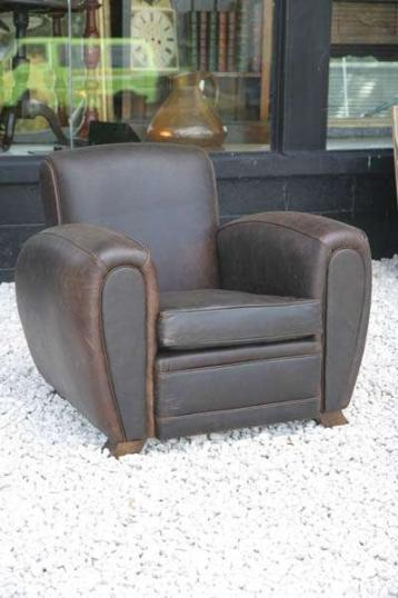 4-16 - Leather Club Chair